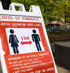 Photo: Arlington county signage during COVID-19 outbreak, Washington, D.C. (Source:  Flickr/dmbosstone)